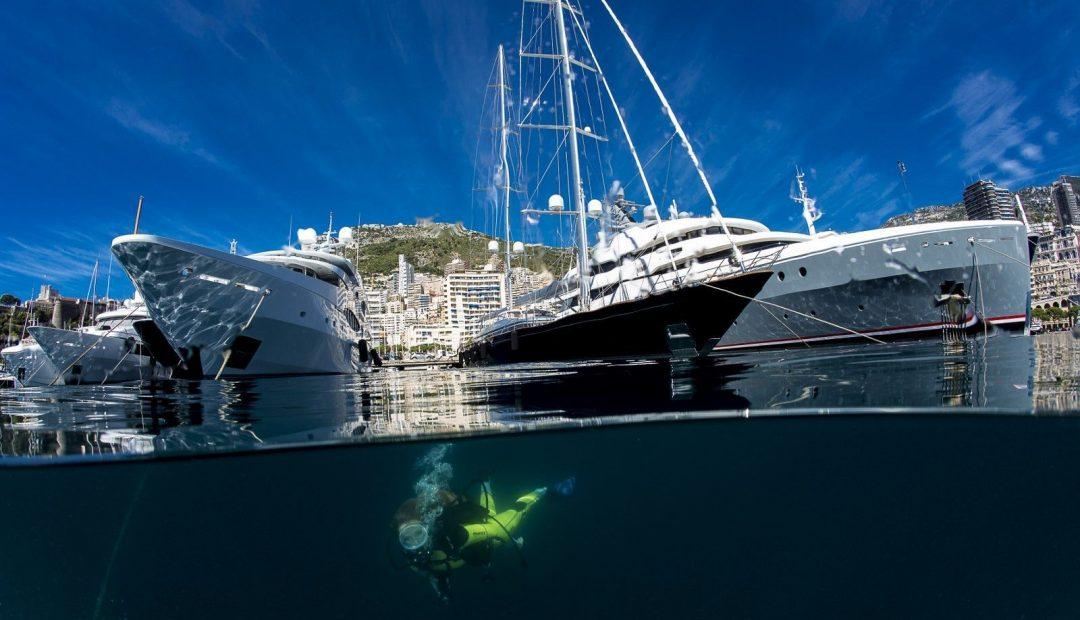 Monaco, plongée sous la digue flottante